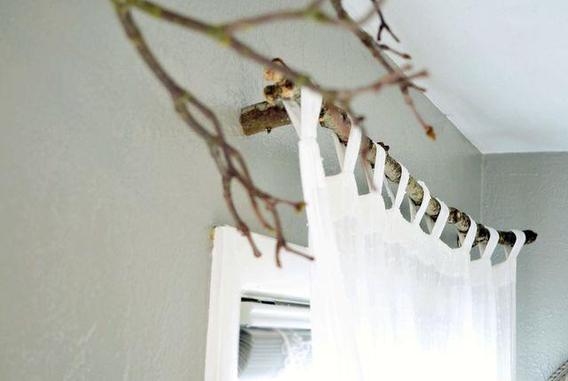 Карнизы для штор на даче