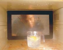 Пригоревший жир в микроволновой печи
