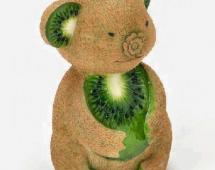 Медведь сделанный из киви