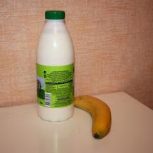 Берём банан и кефир