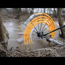Видео, как добыть воду из реки